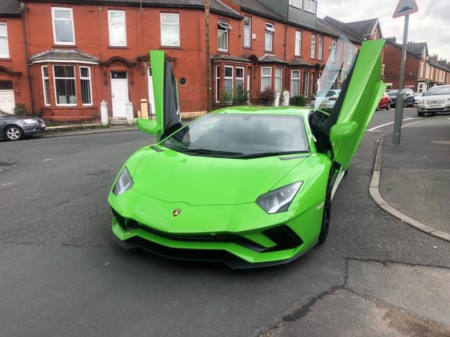 £200,000 Lamborghini supercar stopped by police in Blackburn