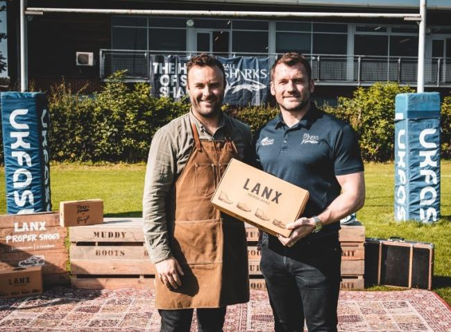 Marco Vaghetti with Sale Sharks' Mark Cueto after announcing he extended deal between LANX and the club