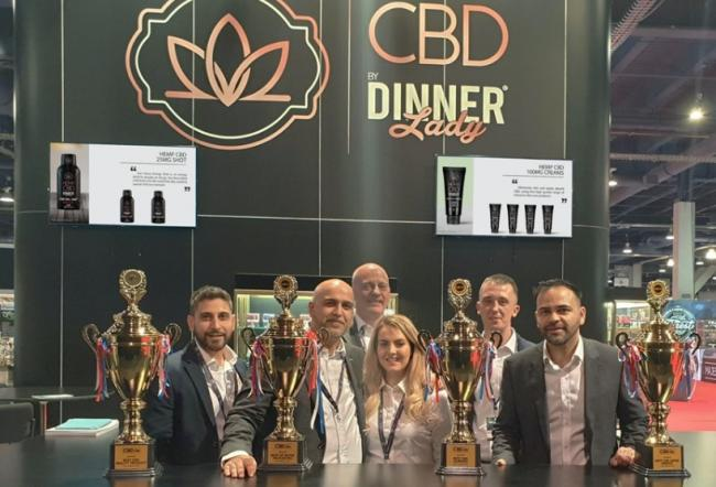 Bosses at Vape Dinner Lady with their Las Vegas Expo awards