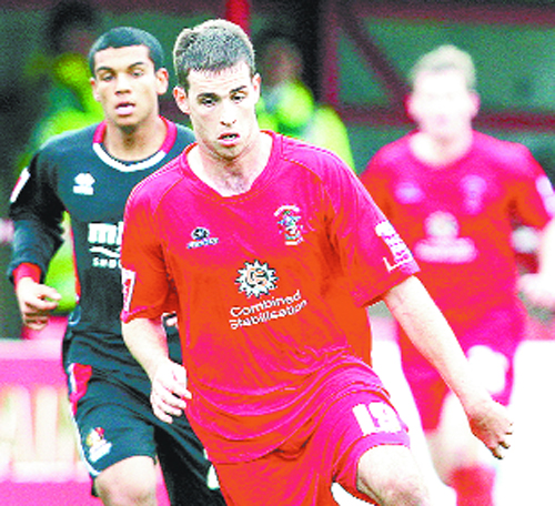 Symes to make Accrington Stanley wait for contract