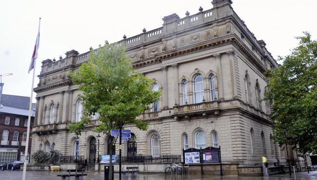 Blackburn dengan Dewan Darwen: perubahan kata-kata memicu pertengkaran komite