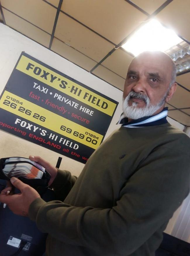 Foxy Khan reunites £3,000 with customers.