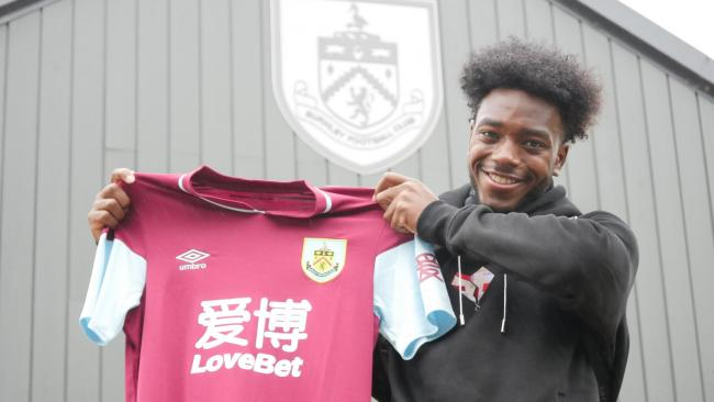 Ismaila Diallo has signed for Burnley from Arsenal