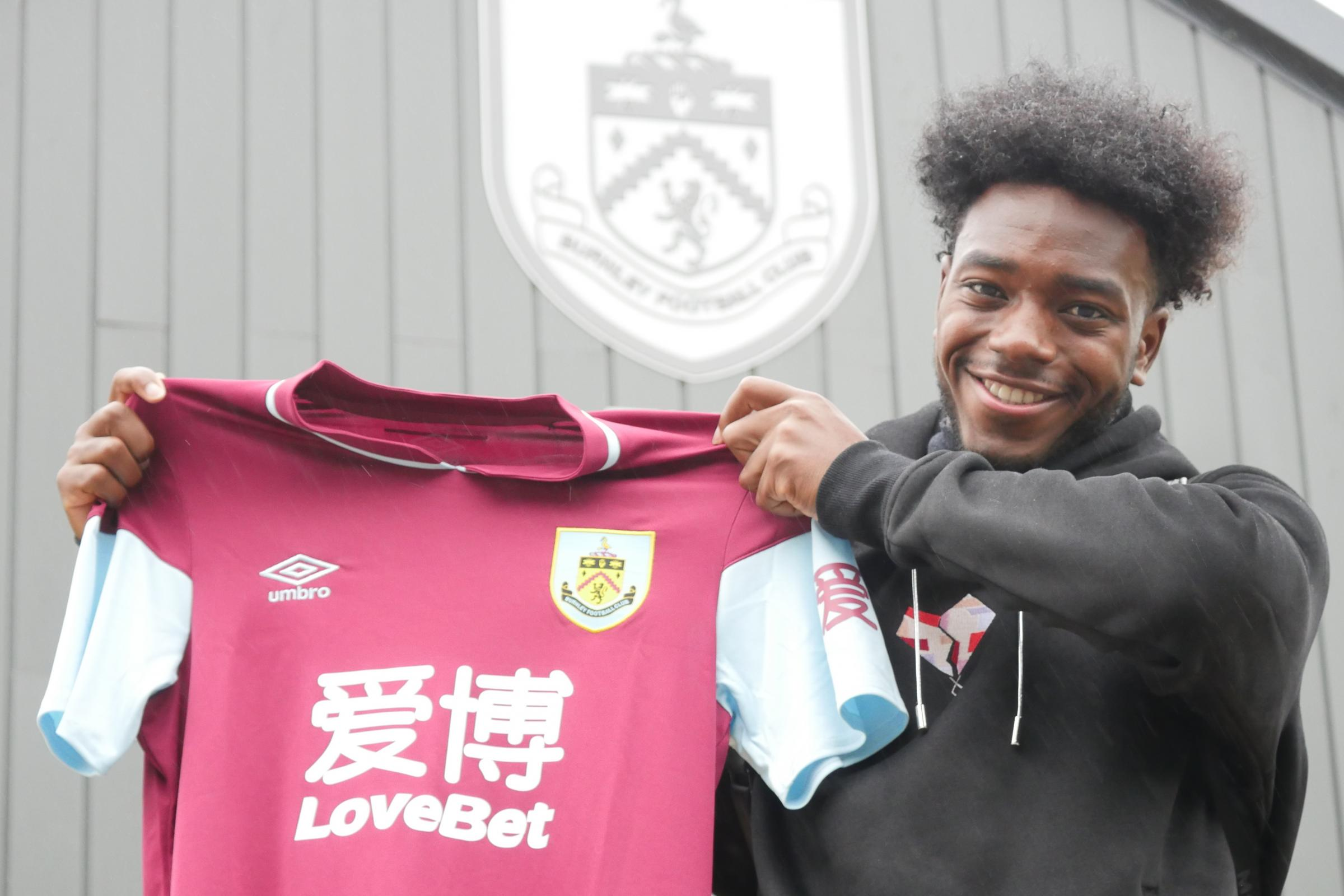 Clarets sign Arsenal youngster Ismaila Diallo
