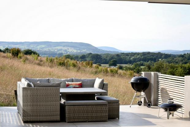 Lancashire Telegraph: Look at the views outside (Photo: Zoopla, Honeywell Estate Agents)