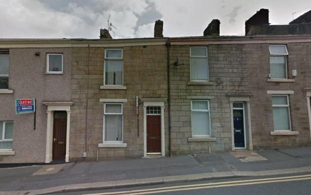 Lancashire Telegraph: Darwen property (Photo: Rightmove/Network Auctions)