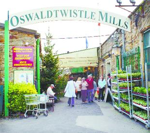 MILLING AROUND: Oswaldtwistle Mills