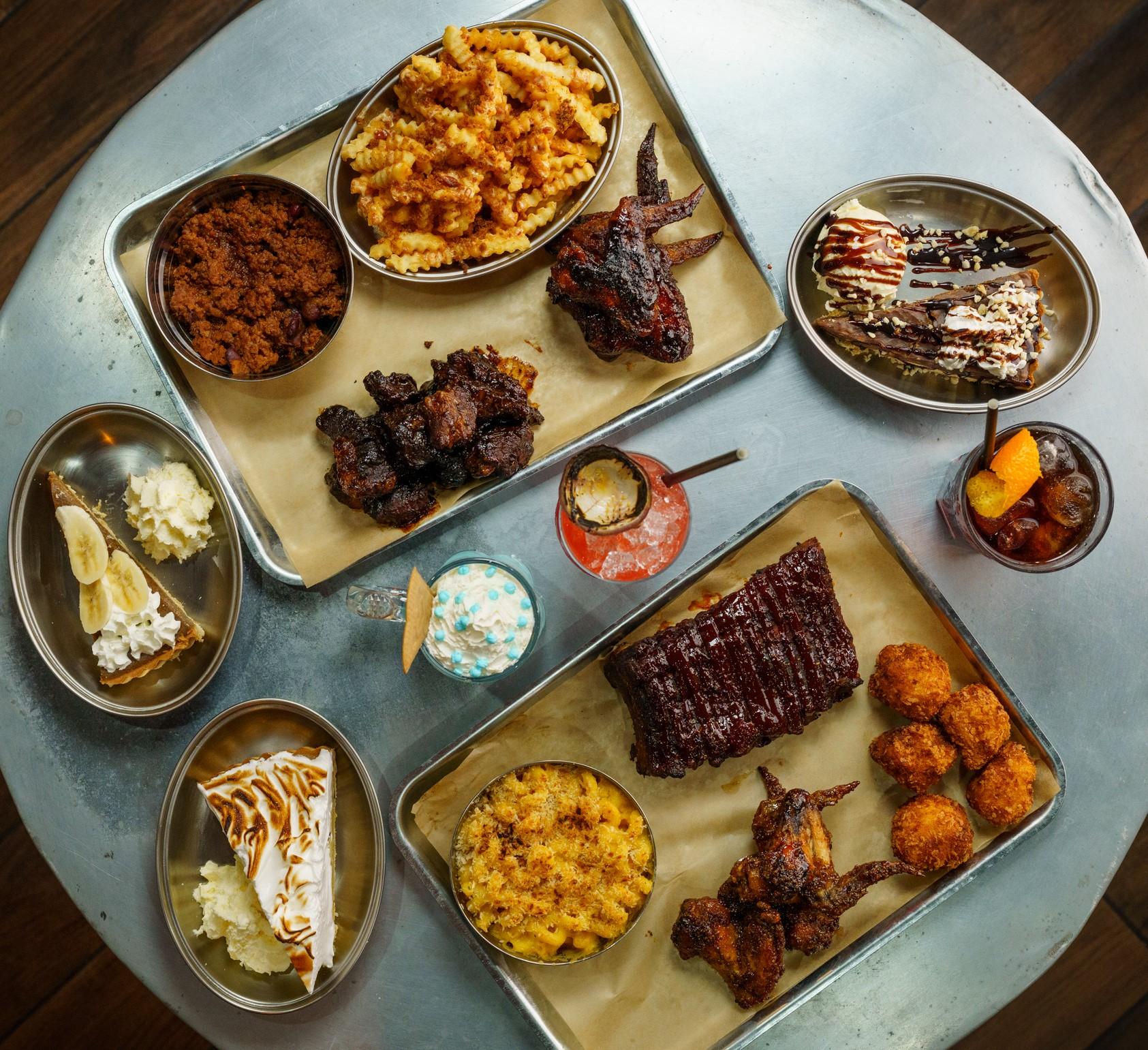 Papa's Smoke Hut hadir kembali – dengan menu baru yang berfokus pada daging asap dan burger