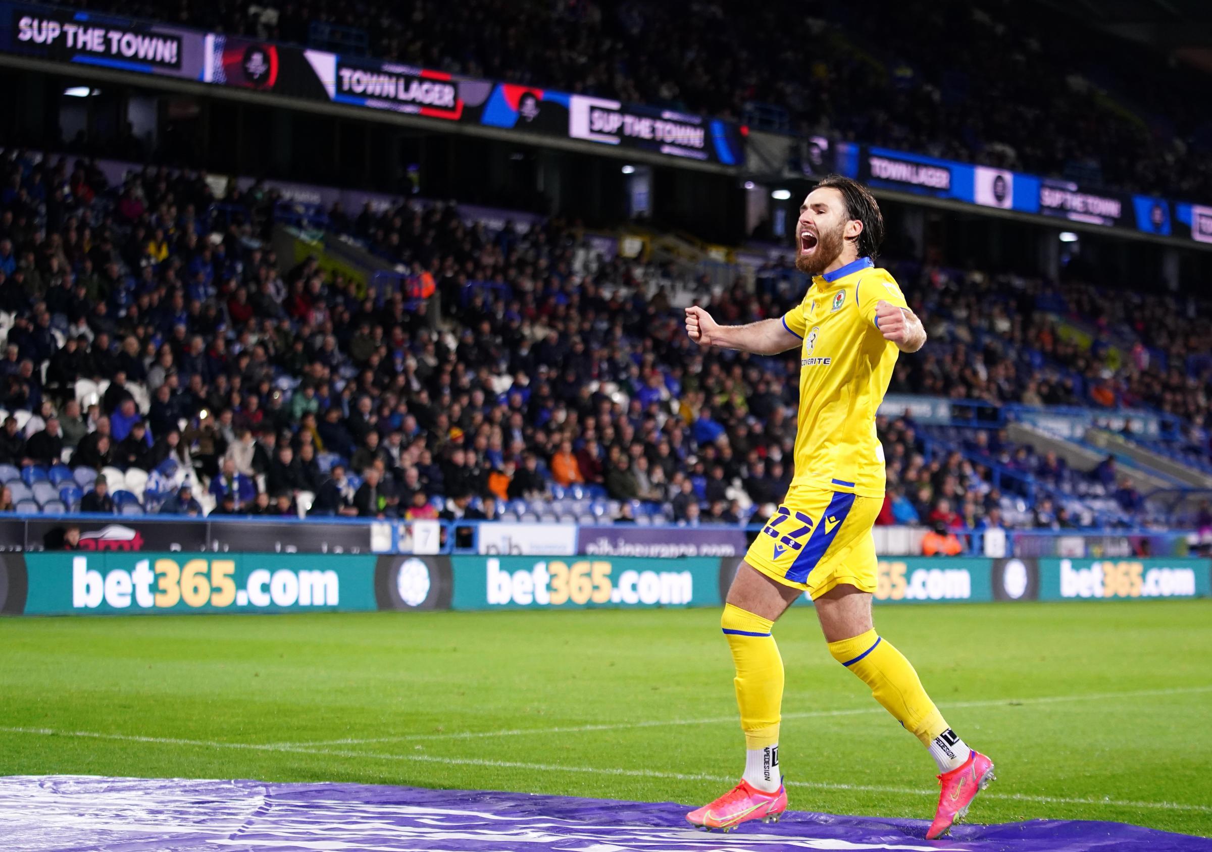 Ben Brereton feliz con el compromiso de Blackburn Rovers y Chile
