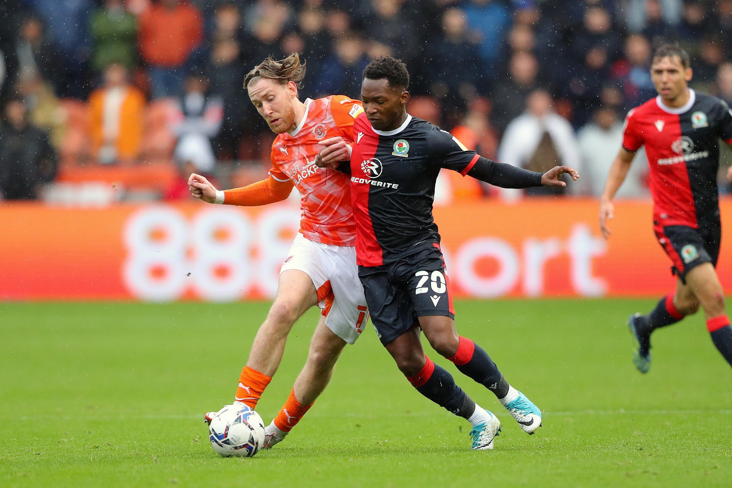 Tayo Edun empuja por un puesto de titular en Blackburn Rovers después de un cameo