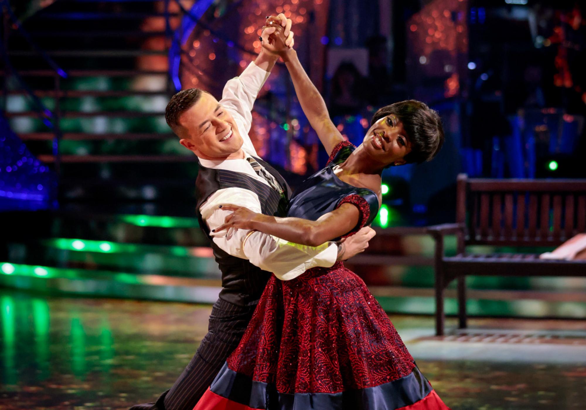 AJ Odudu kelahiran Blackburn memasuki minggu ketiga Strictly Come Dancing