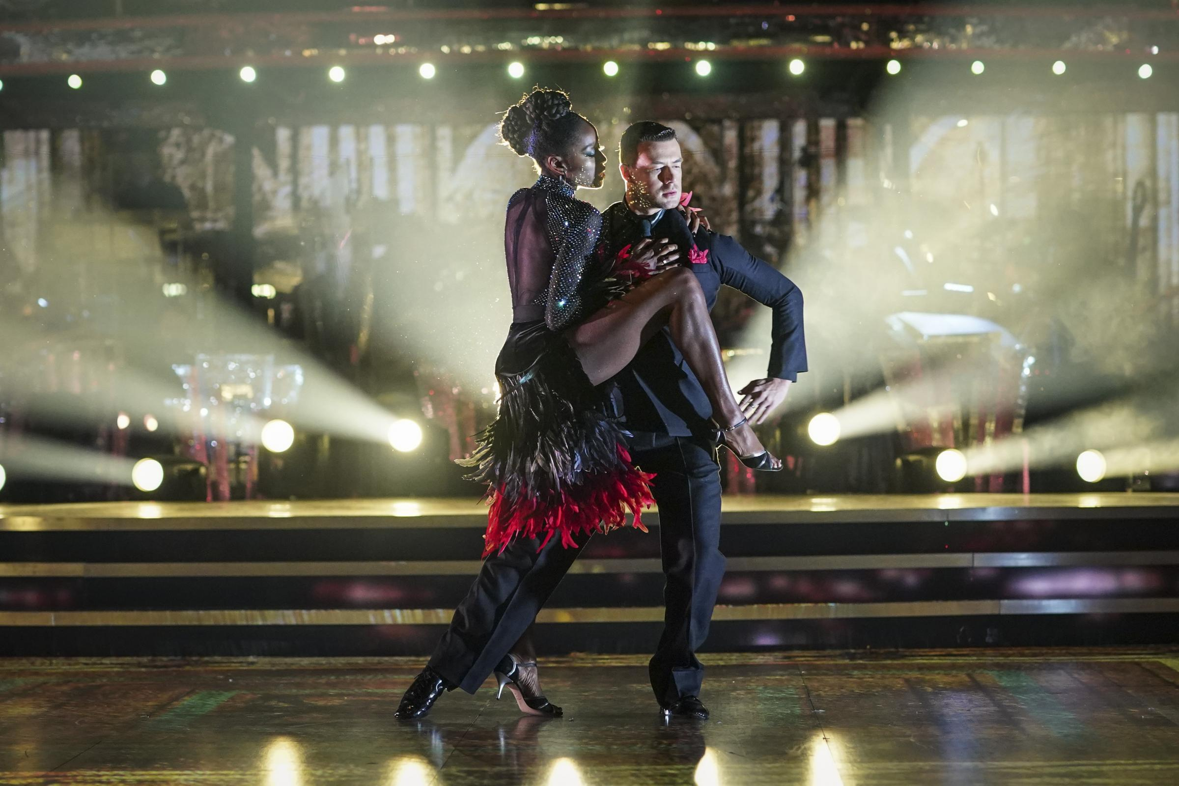 AJ Odudu Blackburn 'berkencan' Strictly Come Dancing partner