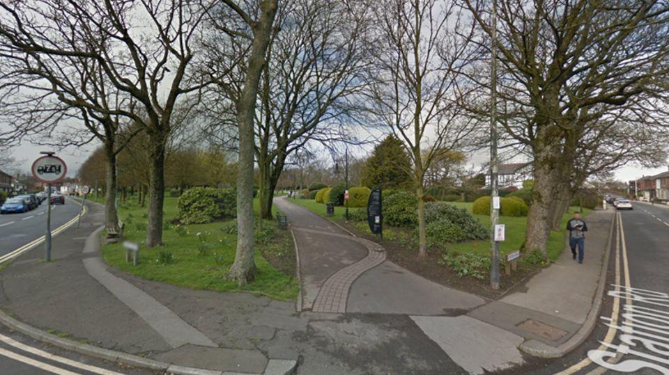 Wanita 'serius diserang secara seksual' di taman Poulton