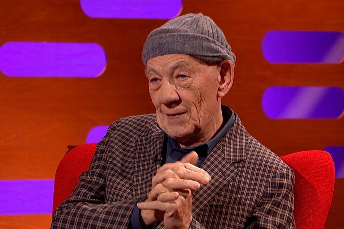Ian McKellen mengungkapkan apa yang dia 'sembunyikan' di The Graham Norton Show
