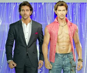 I KNOW YOU! Hrithik Roshan with his waxwork effigy