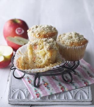 Recipe: Pink Lady Oaty Crumble Apple Muffin