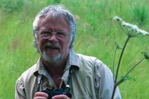 Show brings Bill Oddie back to roots