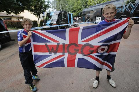 Fans keep themselves amused during the Tour's rest day. Photo: PA