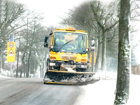 MOVING Gritters out on the road