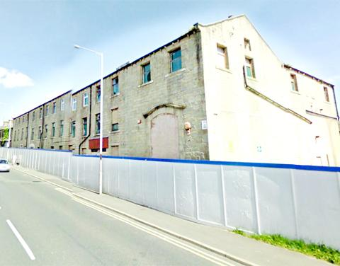 Crumbling Colne mill set to be demolished