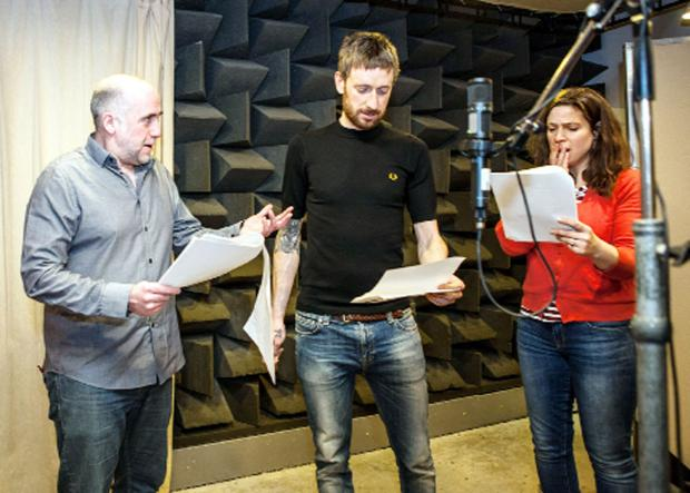 Archers actors Stephen Kennedy and Joanna van Kampen with Sir Bradley Wiggins, centre