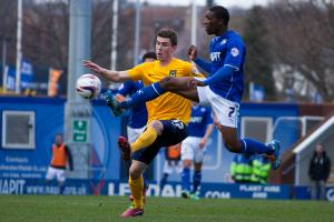 Burnley move quickly to land versatile Chesterfield full back Darikwa