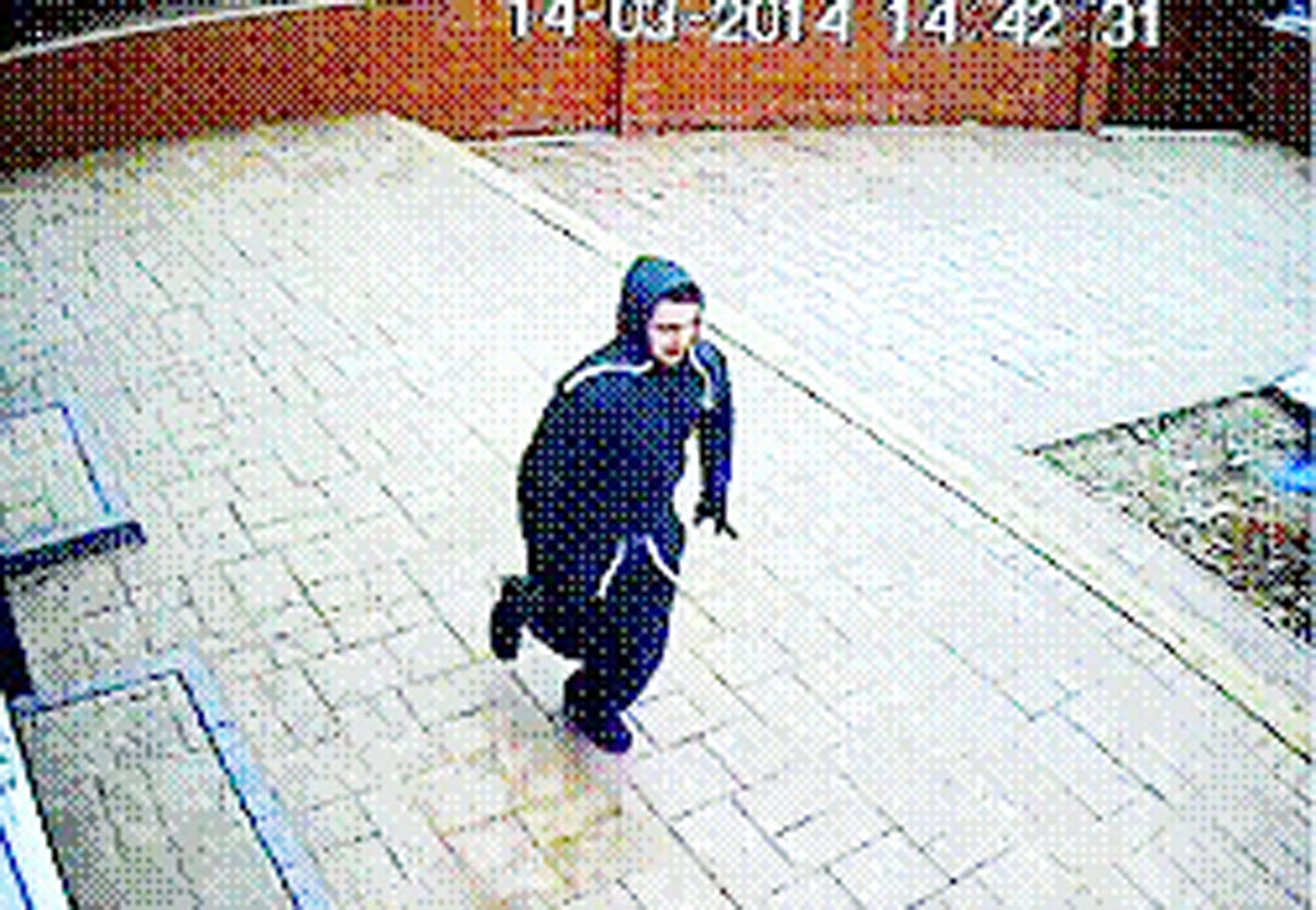 Blackburn 'burglary gang' caught on CCTV