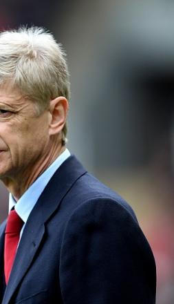 Arsenal manager Arsene Wenger admits injuries have affected his team's Barclays Premier League title push