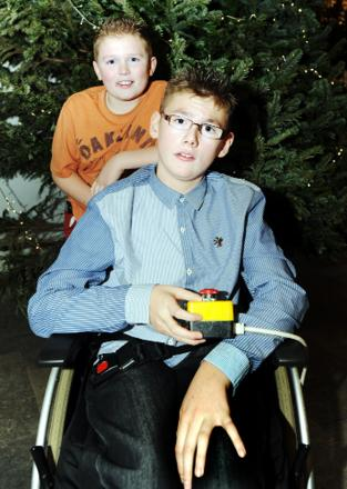 Lewis with brother Oliver