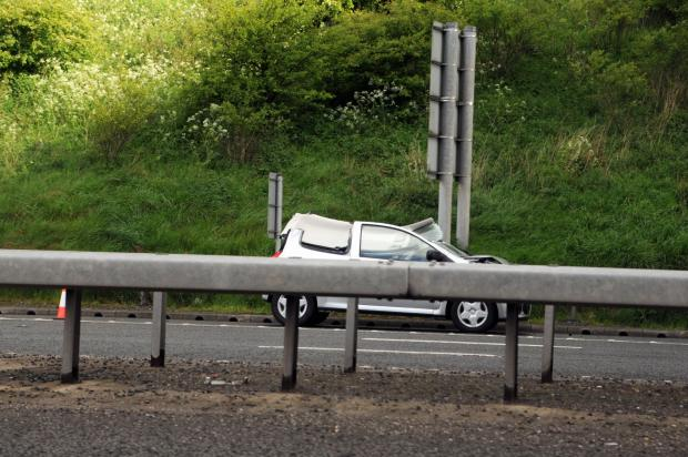 Lancashire Telegraph: Two lanes closed on M65 after three car smash