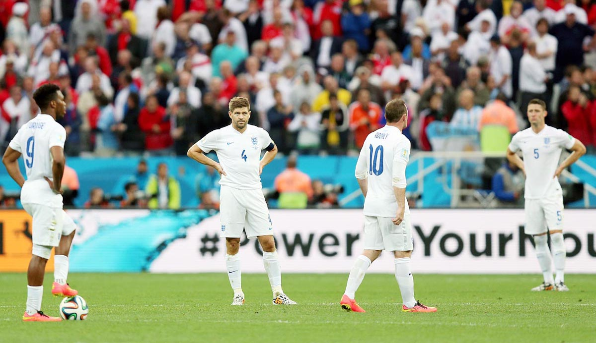 England players are left dejected by the defeat