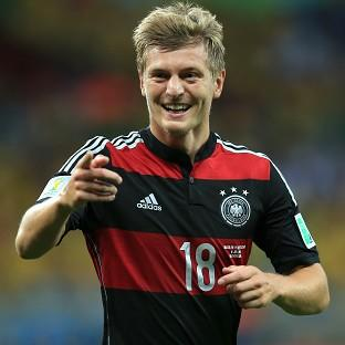 Toni Kroos has signed a six-year contract with Real Madrid
