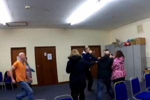 VIDEO: Watch heated sheep grazing meeting turn to chaos as fight erupts