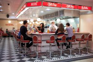 REVIEW: Ed's Easy Diner, Blackburn Mall