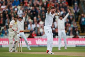 ASHES 2015: Social media reacts to James Anderson's incredible spell against Australia