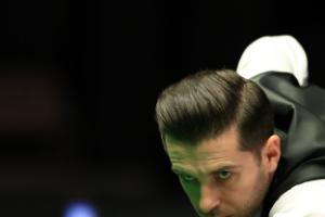 Selby takes advantage of Williams misfortune to keep Masters hopes alive