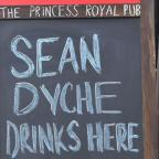 Lancashire Telegraph: OFFER: A sign outside The Princess Royal offering Sean Dyche free drinks