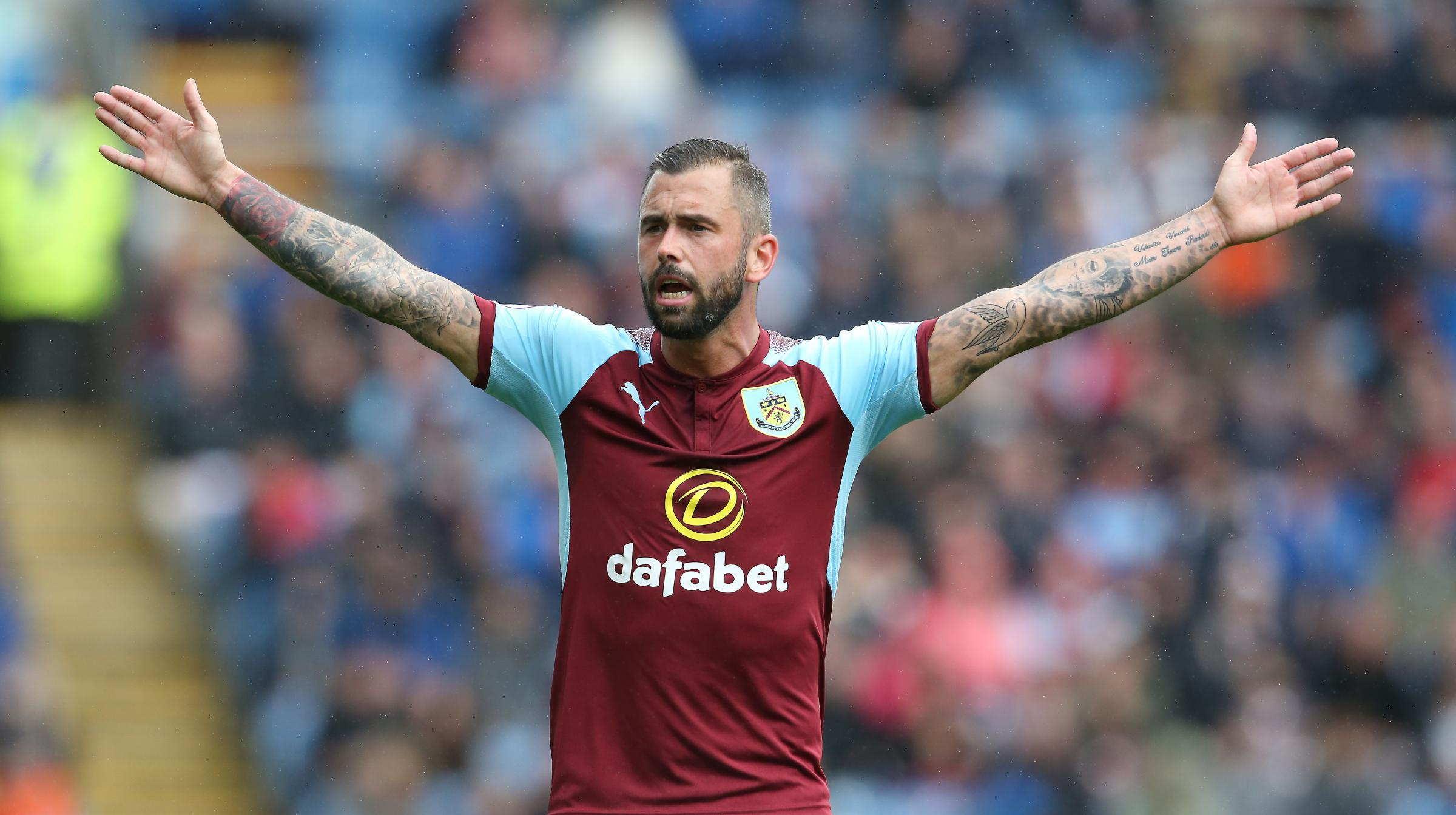 Steven Defour has suffered a minor calf injury during Burnley's Ireland training camp