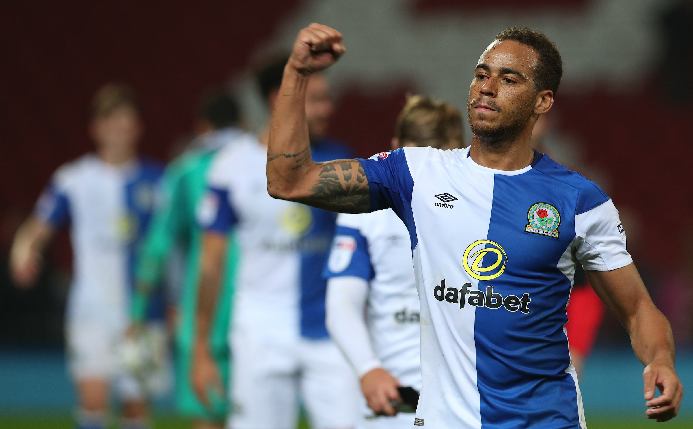 Elliott Bennett signed a contract extension at Rovers which will run to the summer of 2020