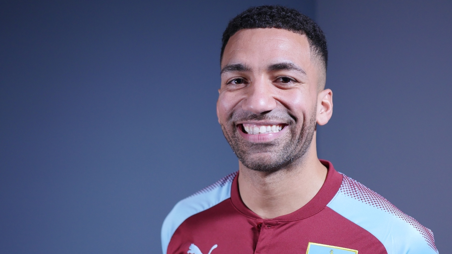 Aaron Lennon signed a two-and-a-half-year deal with Burnley this week