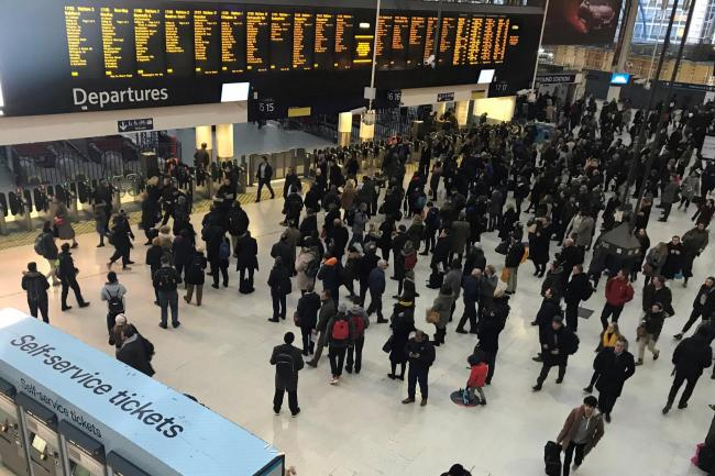 London Waterloo rail passengers hit by signal failure delays
