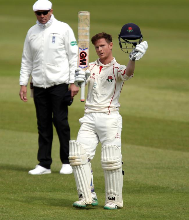 LANCASHIRE COUNTY CRICKET CLUB.Emirates Old Trafford.Specsavers County Championship.Lancashire v Somerset.Day3.23/04/17.Alex Davies  gest his century 100.....