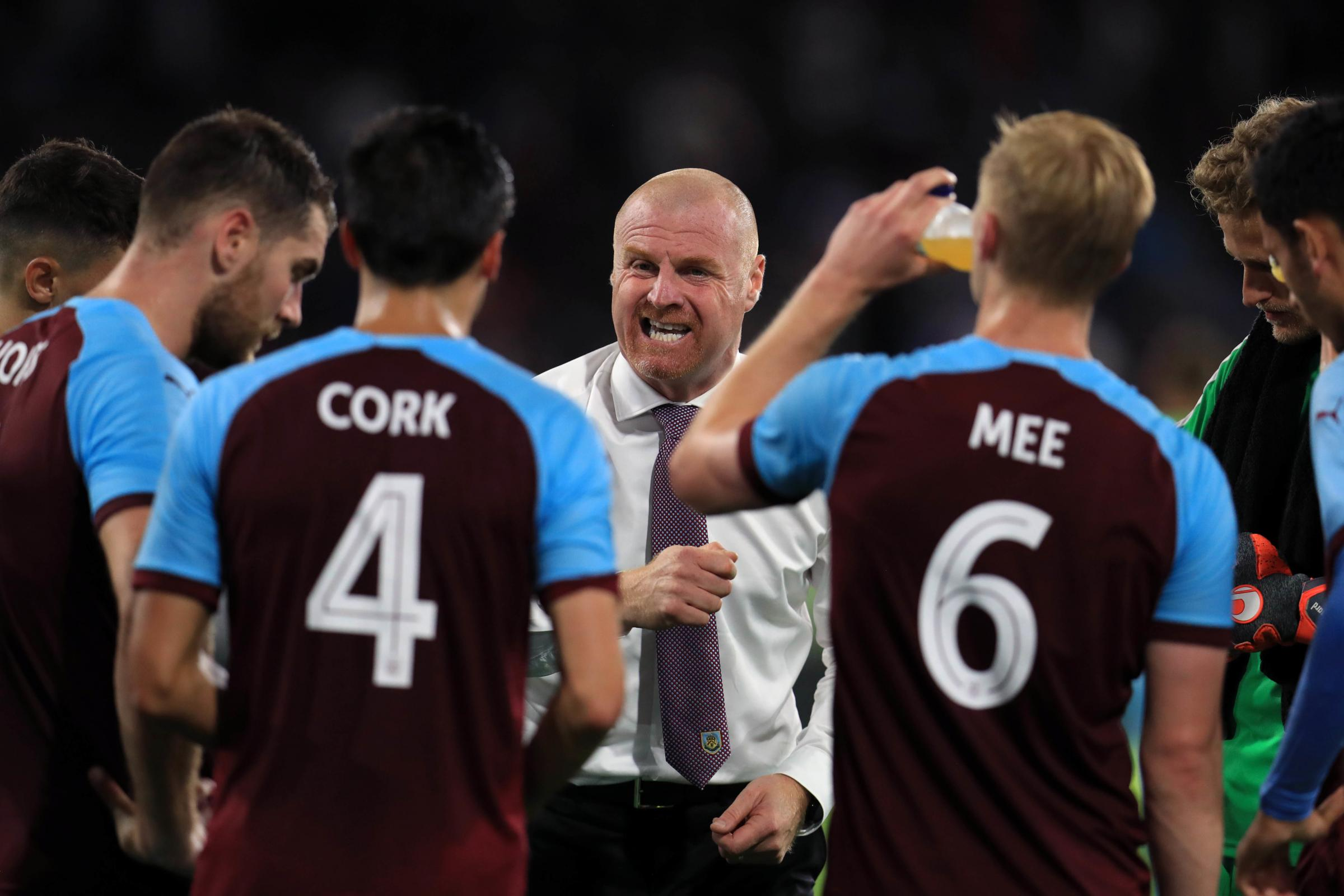 Sean Dyche speaks to his players during Burnley's Europa League win over Aberdeen