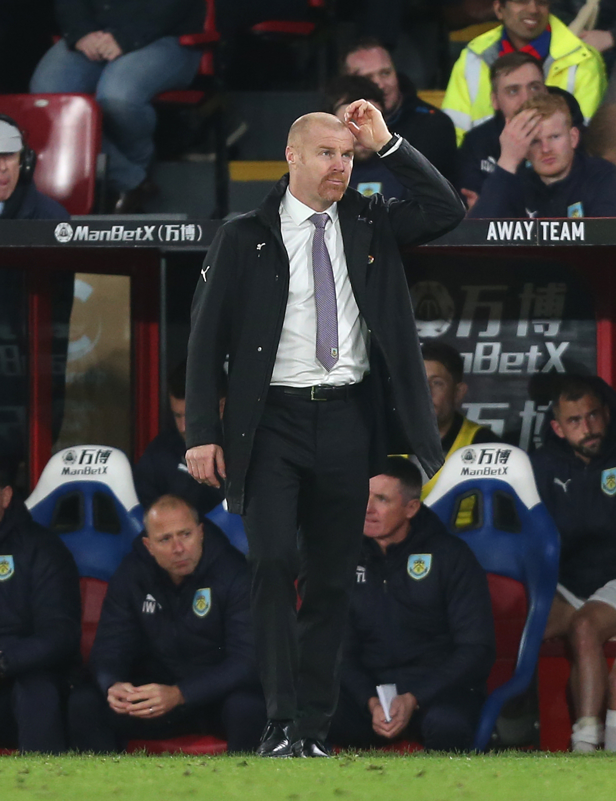 Burnley manager Sean Dyche   Photographer Rob Newell/CameraSport  The Premier League - Saturday 1st December 2018 - Crystal Palace v Burnley - Selhurst Park - London  World Copyright © 2018 CameraSport. All rights reserved. 43 Linden Ave. Countesthor