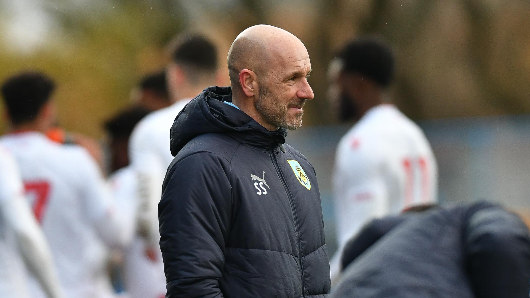 Burnley sign Curzon Ashton's promising right back Joel Senior