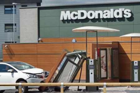 Toyota Drive Thru >> Toyota Car Crashes Into Mcdonald S Drive Thru Lancashire
